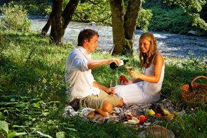 Spaziergang mit Picknick